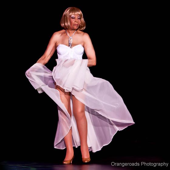 Burlesque Legend, Toni Elling. ©OrangeRoads Photography