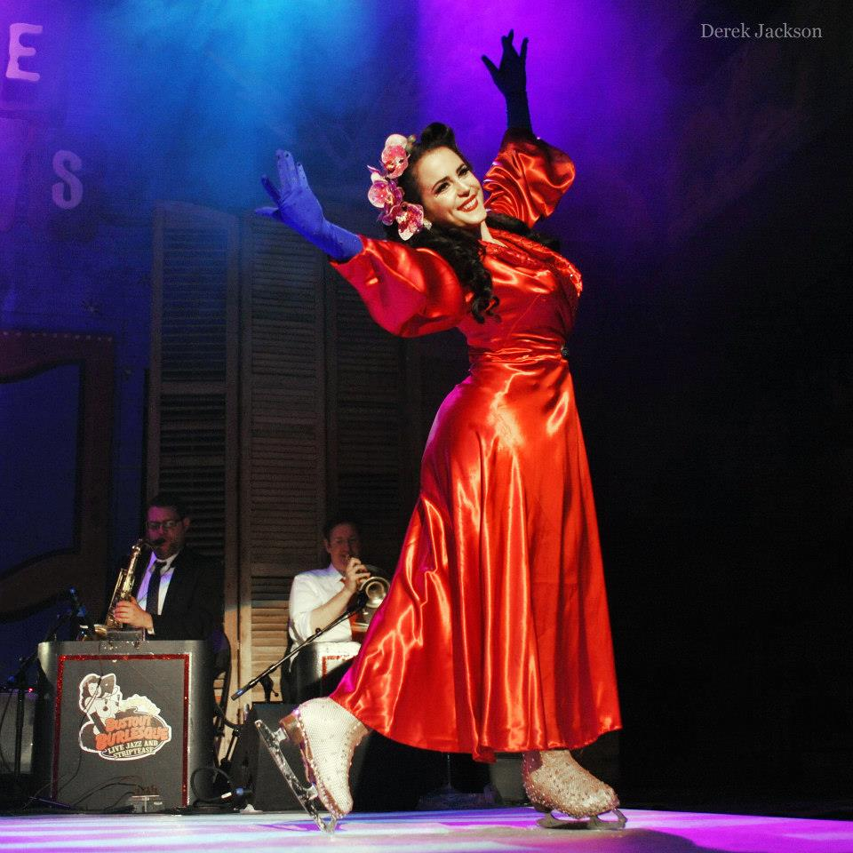 Elle Dorado performing in Bustout Burlesque.  ©Derek Jackson