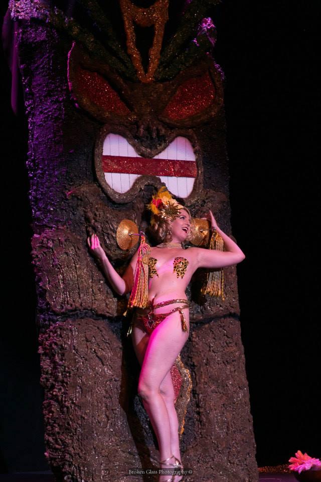 Vivienne VaVoom at the Colorado Burlesque Festival.  ©Broken Glass Photography