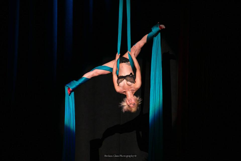 Midnite Martini at the Colorado Burlesque Festival.  ©Broken Glass Photography