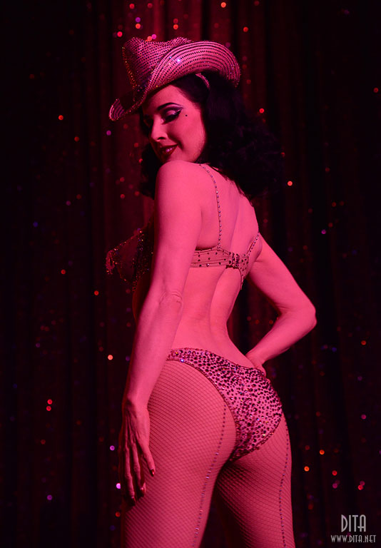 Dita Von Teese. (Strip Strip Hooray!  Chicago 2013)  ©Scott Harrison