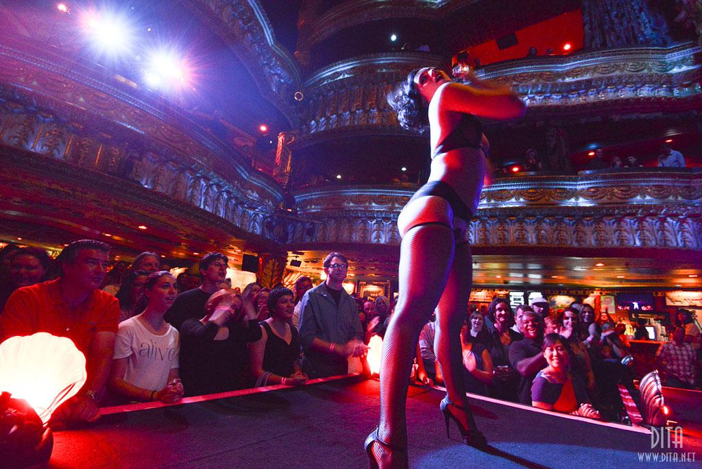 Michelle L\'amour  (Strip Strip Hooray!  Chicago 2013)  ©Scott Harrison