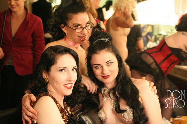 Vienna la Rouge, Kellita and Lola the Vamp, TOR 2005.  ©Don Spiro