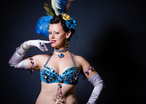 10 Things You Can Do To Be A Better Burlesque Dancer: Penny Starr Jr. (©PhotoJenInc.)