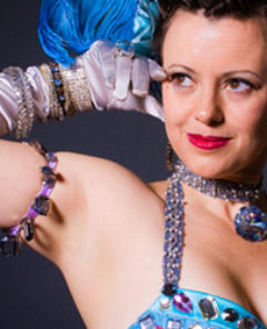 Penny Starr Jr: 10 Things You Can Do to be a Better Burlesque Dancer.