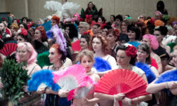 A look back at BurlyCon's record breaking 'Largest Fan Dance'.