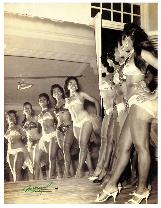 Tropicana Showgirls in Havana, Cuba, 1954. Photo by Foto Marcos  (Race and Burlesque: The curious case of the performer of colour.)