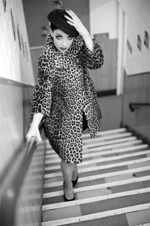 Laurie Hagen.  ©Sin Bozkurt  (Burlesque Hall of Fame Weekend 2013)