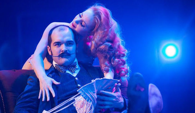 Catherine D'Lish and Russell Bruner treat the VIBF audience to a scandalous public seduction.