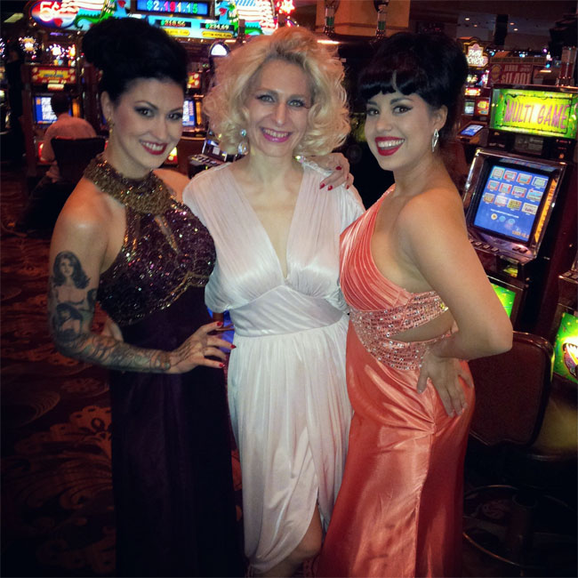 Reigning Queen competitors LouLou D'vil, Minnie and Coco Lectric. ©Minnie Tonka (Burlesque Hall of Fame Weekend 2013)