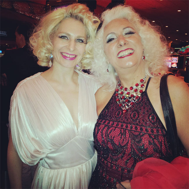 Minnie and burlesque legend Viva La Fever. ©Minnie Tonka (Burlesque Hall of Fame Weekend 2013)