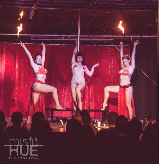 Michelle Mynx (centre) at the Show Me Burlesque Festival 2013.  ©Misfit Hue Photography