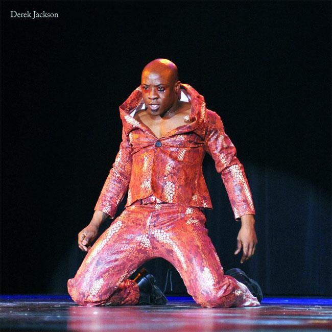 Ray Gunn giving a winning performance at the Burlesque Hall of Fame Weekend 2013. ©Derek Jackson (Stage Door Johnnies Poat-BHoF Recap)