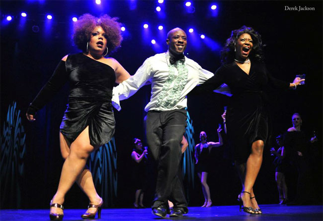 Ray Gunn performing in the Sunday Night Finale alongside fellow performers, including Foxy Tann and Perle Noire. ©Derek Jackson (Stage Door Johnnies Post-BHoF Recap)