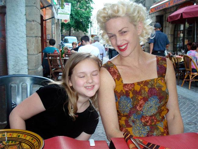 Offstage: Kitten De Ville with daughter Ivy Rose.  ©Kitten De Ville  (Burlesque Beauty)
