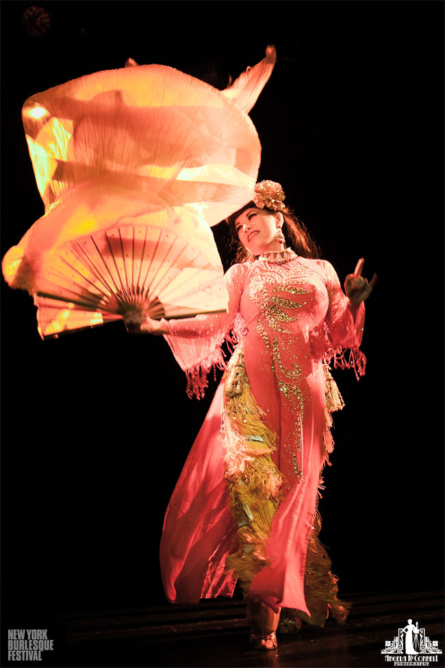 Calamity Chang at the New York Burlesque Festival Thursday Night Teaser Party. ©Angela McConnell
