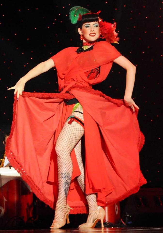 Hazel Honeysuckle at The New Orleans Burlesque Festival 2013.  ©Ivan Micheeff