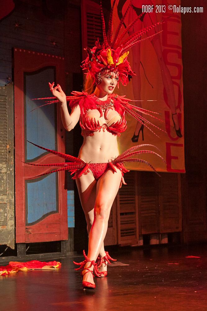 Miss Miranda at the New Orleans Burlesque Festival 2013. ©Andreas Koch