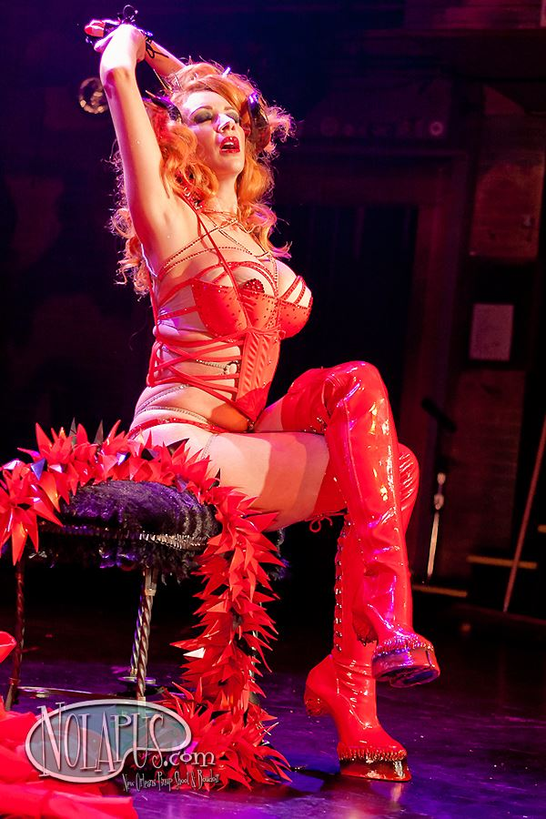 Ms Redd and the Va Va Vettes at the New Orleans Burlesque Festival 2013. ©Andreas Koch