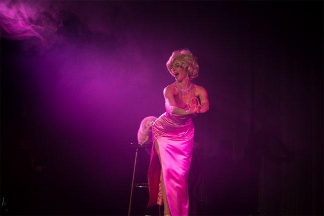 Koko La Douce at the Berlin Burlesque Festival 2013.  ©Heinrich v. Schimmmer (www.heinrichvonschimmer.de)