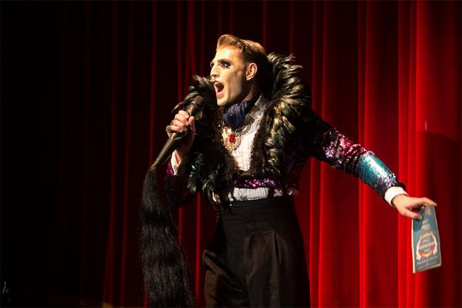 Reuben Kaye at the Berlin Burlesque Festival 2013.  ©Heinrich v. Schimmmer (www.heinrichvonschimmer.de)