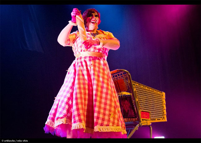 Frenchie Kiss performing 'Le Shopping Cart'.  ©Mike White (All I Want for Christmas: Michelle L'amour and the Chicago Starlets)