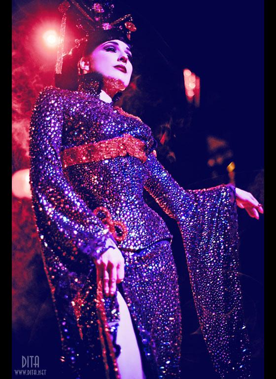 Dita Von Teese in a Catherine D'Lish costume. ©Kaylin Idora
