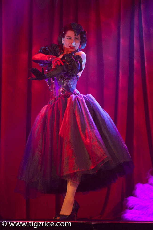 Gwendoline Lamour.   ©Tigz Rice  (Review: Burlesque On Ice)