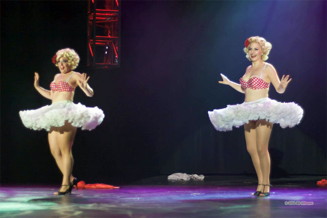 Schlep Sisters Minnie Tonka and Darlinda Just Darlinda competing at the Burlesque Hall of Fame Weekend 2011.   ©RJ Johnson