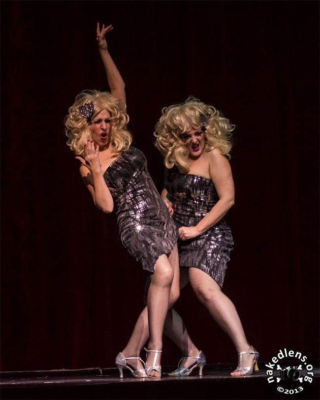 Schlep Sisters Minnie Tonka and Darlinda Just Darlinda in Viva Dallas Burlesque in 2013.  ©NakedLens.Org