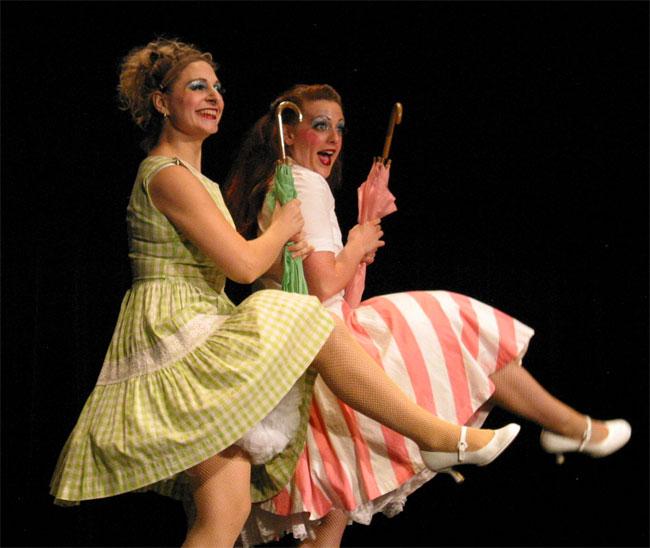 Schlep Sisters Minnie Tonka and Darlinda Just Darlinda in KosherChiXXX, 2005. ©Vincent Goldberg