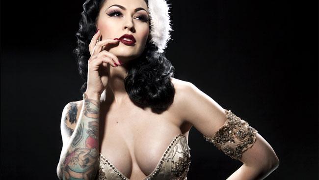 Burlesque Beauty: LouLou D'vil