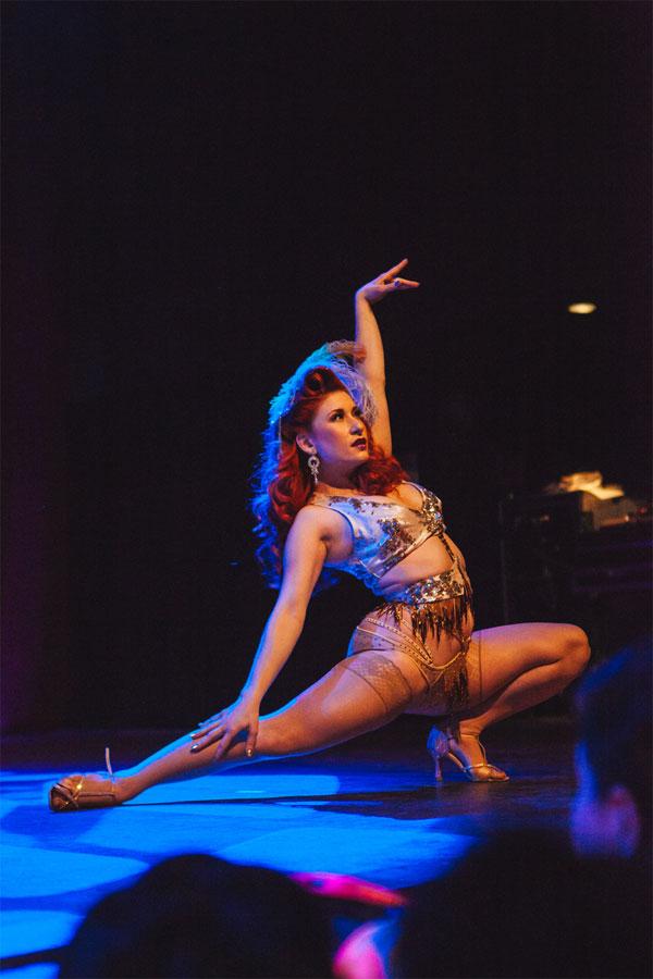 Angi B. Lovely at the Dallas Burlesque Festival 2014. ©Karlo X Ramos/karloxramos.com