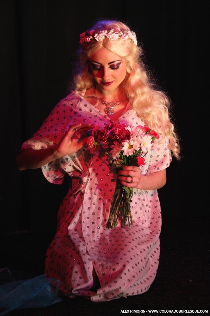 Joy Coy at the Southwest Burlesque Showcase. ©Alex Rimorin