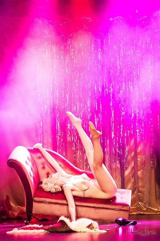Kitten De Ville at the Helsinki Burlesque Festival 2014. © Tuomas Lairila