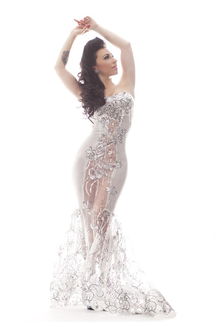 Angie Pontani.  ©Victoria Janashvili  (Interview: Angie Pontani - 21st Century Burlesque Magazine)