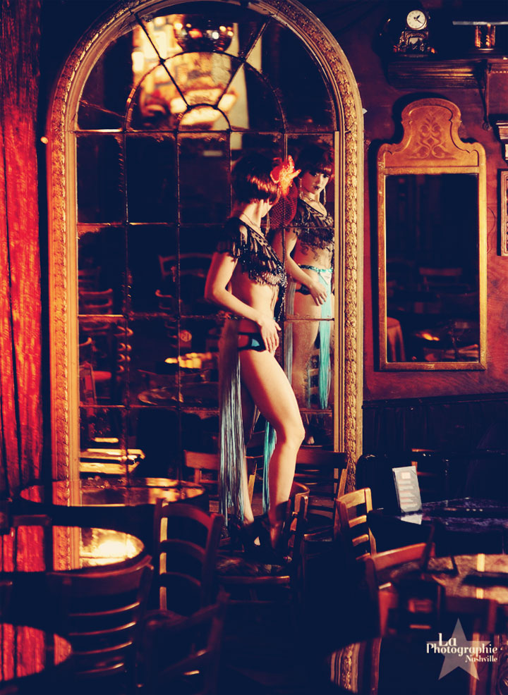 Midnite Martini. ©La Photographie Nashville  (Interview: Midnite Martini, Reigning Queen of Burlesque 2014 - 21st Century Burlesque Magazine)