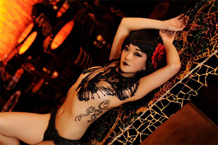 Midnite Martini  ©La Photographie Nashville  (Interview: Midnite Martini, Reigning Queen of Burlesque 2014 - 21st Century Burlesque Magazine)