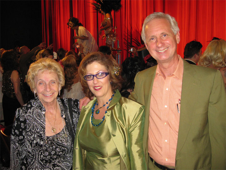 No Simon Cowells here: Deb Ryan with burlesque legend Lilly Ann Rose and Robert Allen at the 2009 Burlesque Hall of Fame Weekend Miss Exotic World Pageant. ©Jo Weldon