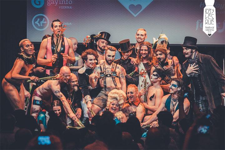 Curtain Call at the Vienna Boylesque Festival 2014. ©Philipp Lipiarski
