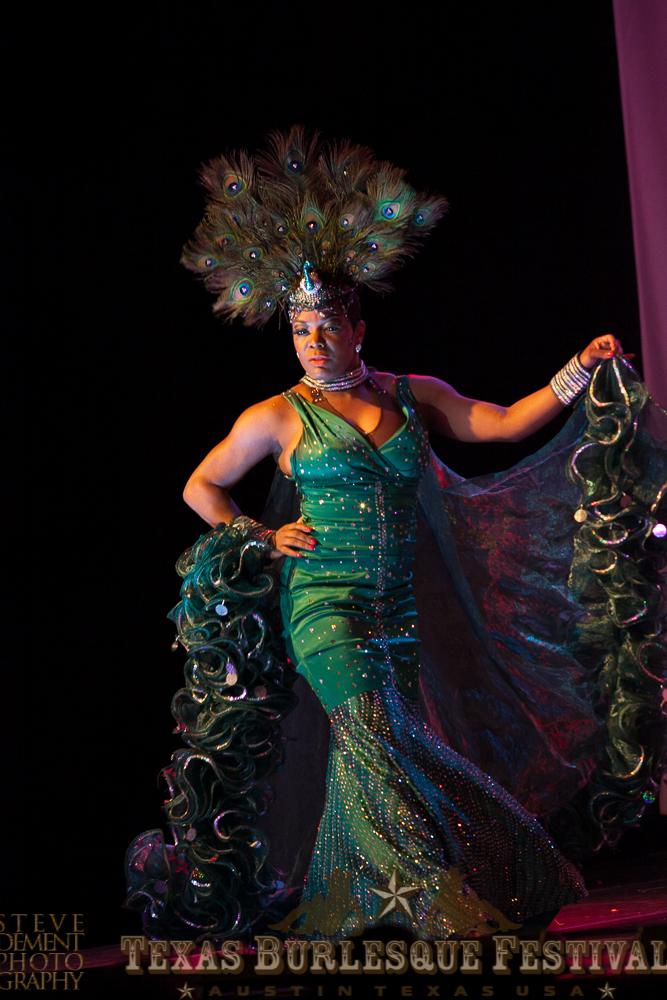 Perle Noire at the Texas Burlesque Festival 2014. ©Steve DeMent Photography