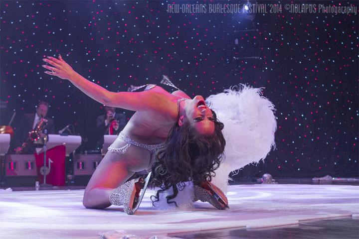 Elle Dorado performig her winning routine at the New Orleans Burlesque Festival 2014.  ©NOLAPUS.com