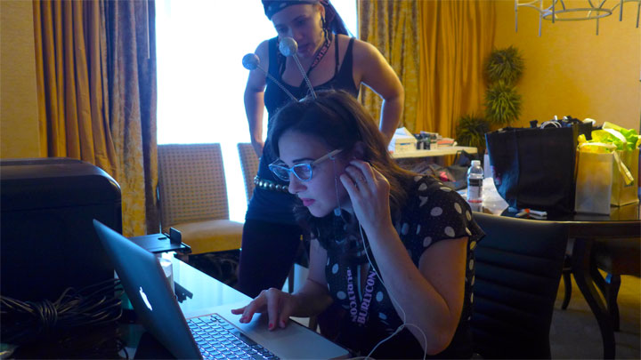 Miss Indigo Blue at her computer in BurlyCon HQ.  ©Bettie Blackheart (Bettie Blackheart's BurlyCon 2014 Diary)