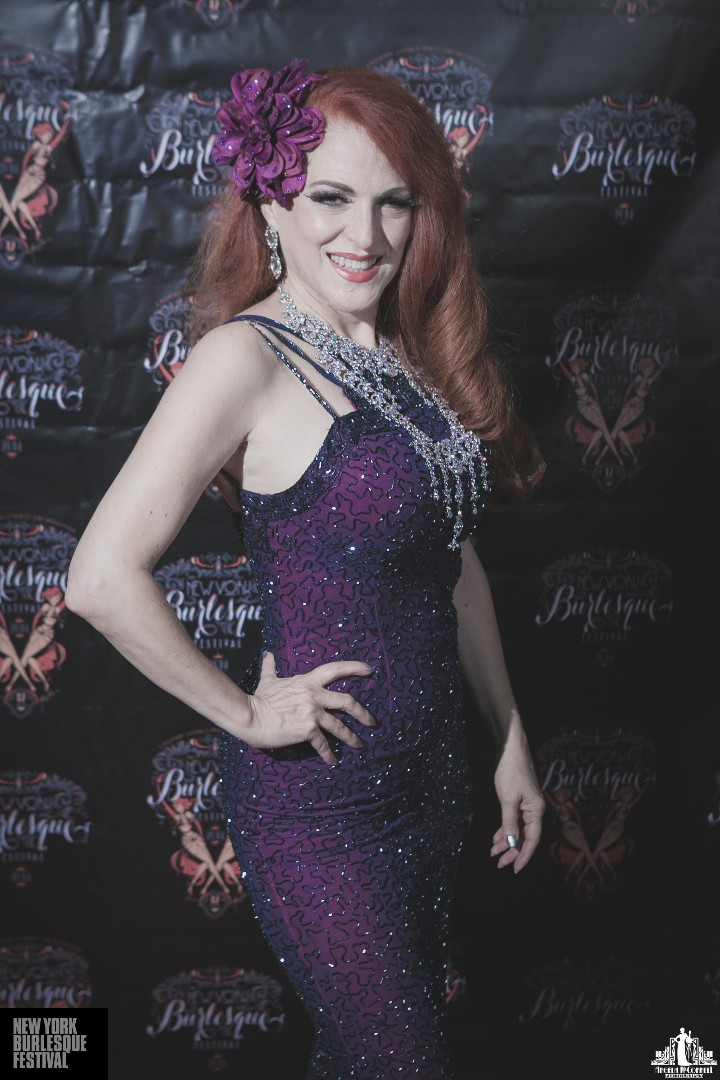 Jo Weldon at the New York Burlesque Festival 2014. ©Angela McConnell