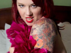 New Orleans Venue Drops Burlesque Performer Due to Her Size. Burlesque Community Erupts.