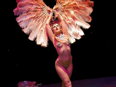 Mimi Amore at the Hebden Bridge Burlesque Festival 2014. ©Ravey Davey