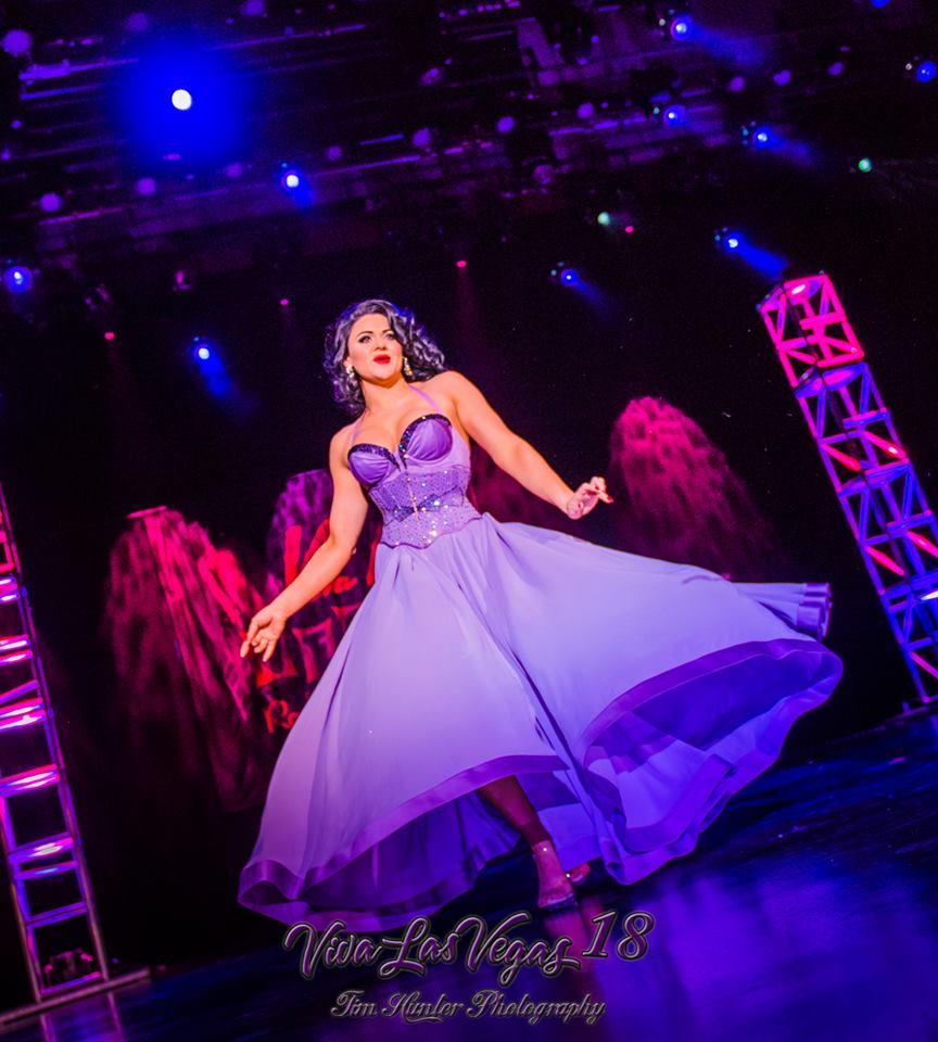 Roxi D'Lite in the Viva Las Vegas 2015 burlesque showcase.  ©Tim Hunter