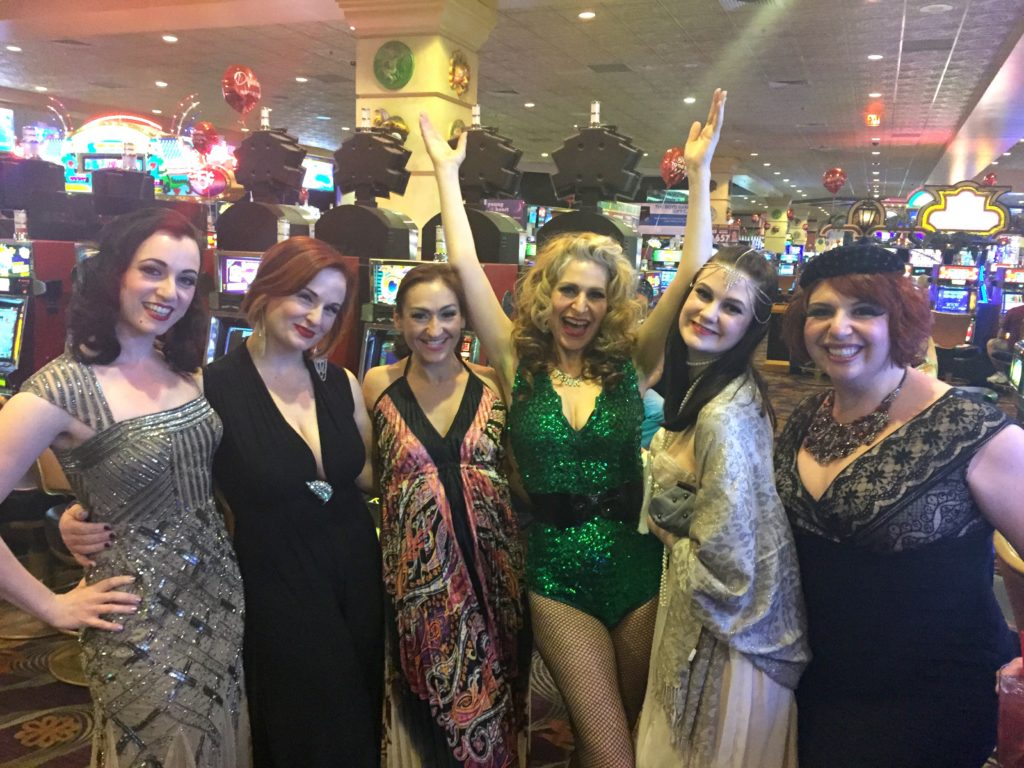 Chicago in da house, I love my Midwestern sisters! (L to R: Michelle L'amour, Lady Ginger, Lily Bloom, me, Millie Toulouse, and Frenchie Kiss).  ©Minnie Tonka