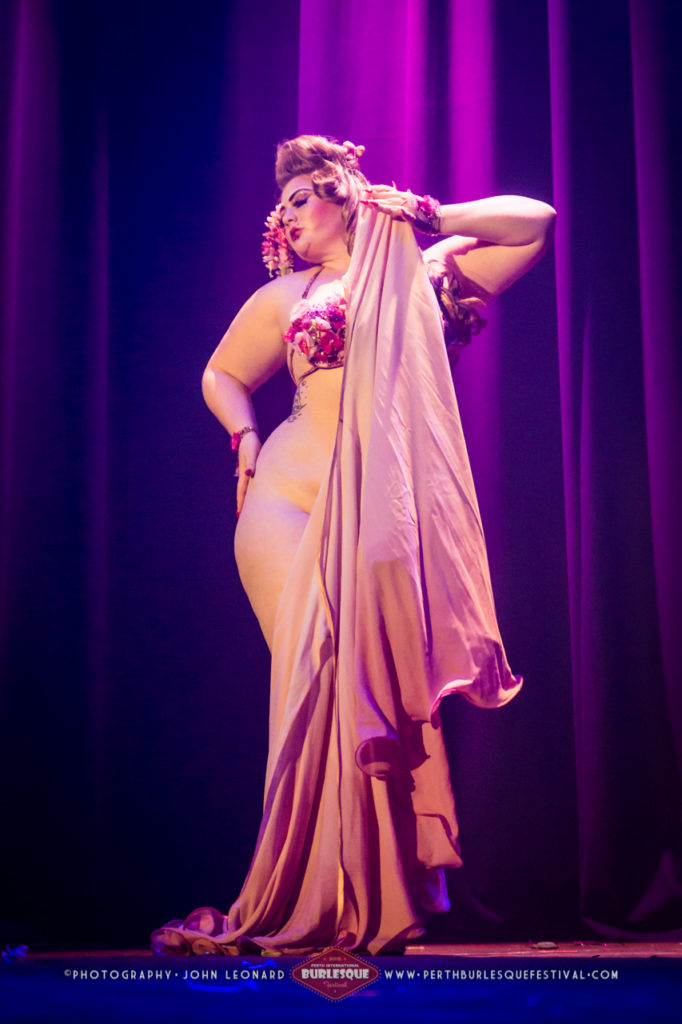 Alyssa Kitt at the Perth International Burlesque Festival.  ©John Leonard