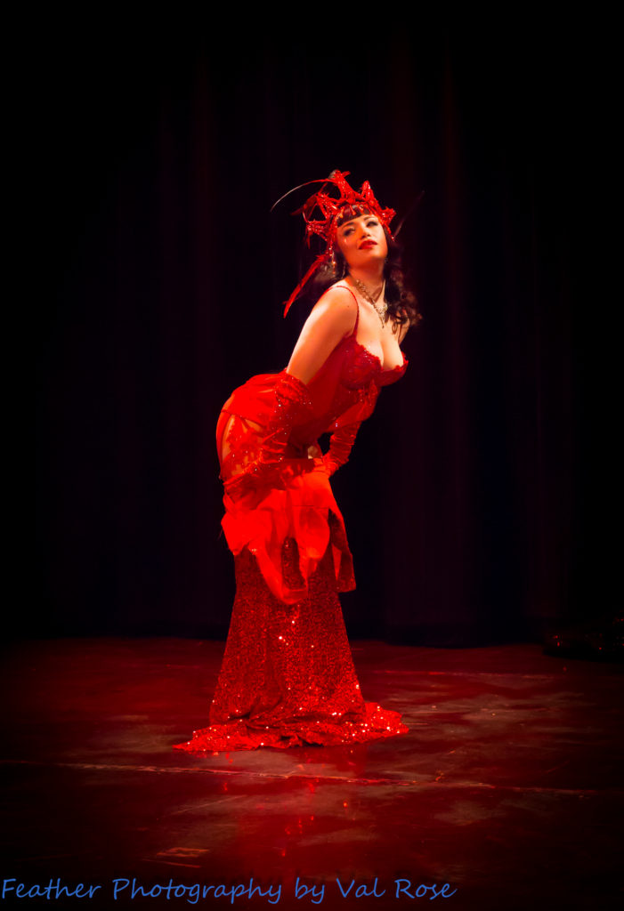 Burlesque performer Bettsie Bon Bon at Hundred Watt Club, by Featherpic.co.uk